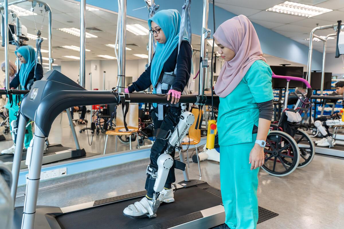 Rawatan Neuro-Robotik & Cybernics